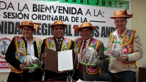 Huancavelica, Ayacucho, Junín, Apurímac e Ica suscribieron compromiso conjunto para luchar contra la desnutrición crónica y la anemia infantil