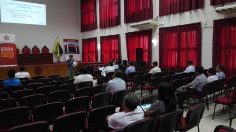 Mesa de Tumbes capacita a partidos y movimientos políticos junto al JNE