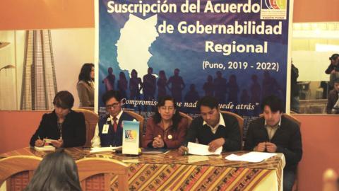 PUNO SUSCRIBIÓ ACUERDO DE GOBERNABILIDAD CON CANDIDATOS AL GOBIERNO REGIONAL