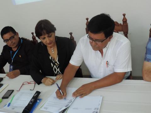 Gobernador Regional de San Martín ratificó Acuerdo de Gobernabilidad