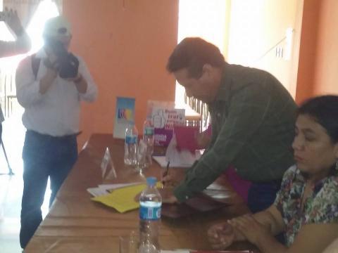 Gobernador de Ucayali ratificó el Acuerdos de Gobernabilidad y se sumó a la campaña Buen Trato para la Niñez