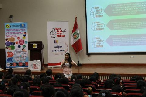 """Lanzamiento de la campaña """"Buen Trato para la Niñez"""" con el equipo del """"Programa Regional de Atención Temprana Familia Feliz""""."""