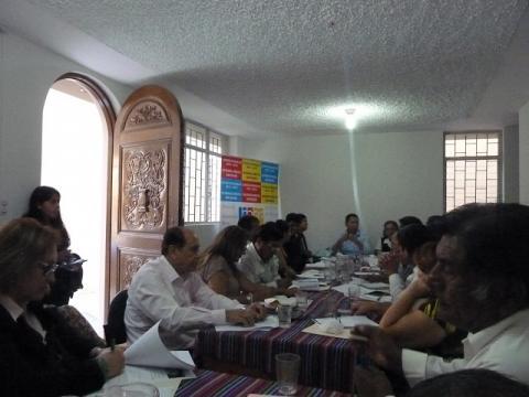Clemente Flores, Congresista de la República por Lambayeque, sostuvo reunión con el pleno del Comité Ejecutivo Regional (CER) de la MCLCP-Lambayeque sobre Agenda Parlamentaria 2016-2021.