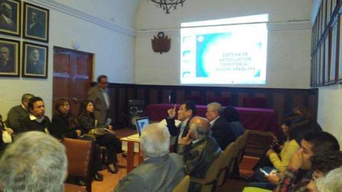 """Foro panel """"Propuestas e iniciativas de solución al problema del transporte de Arequipa"""""""
