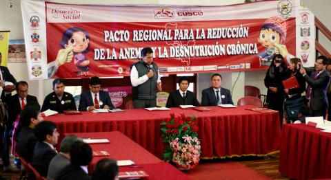Firma del Pacto contra la DCI y la Anemia Infantil en Cusco