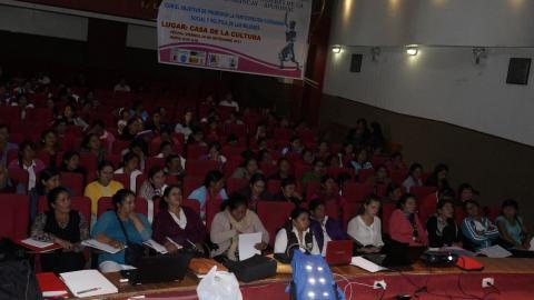 MCLCP Apurímac presenta reporte de Seguimiento Concertado sobre Violencia hacia mujeres en el II Encuentro de mujeres Líderes de la Provincia de Abancay