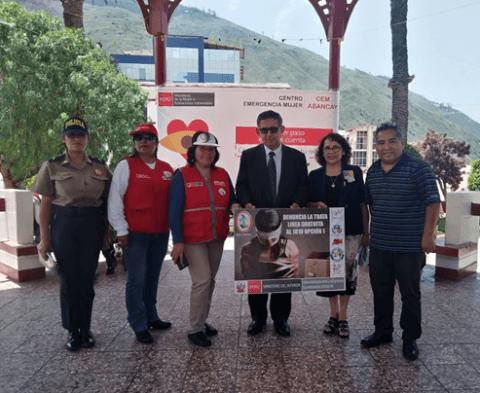 Feria informativa de sensibilización contra la violencia hacia la mujer