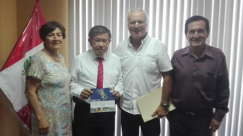 Reunión con Gobernador Regional para plantear mejoras para la entrega de módulos de vivienda